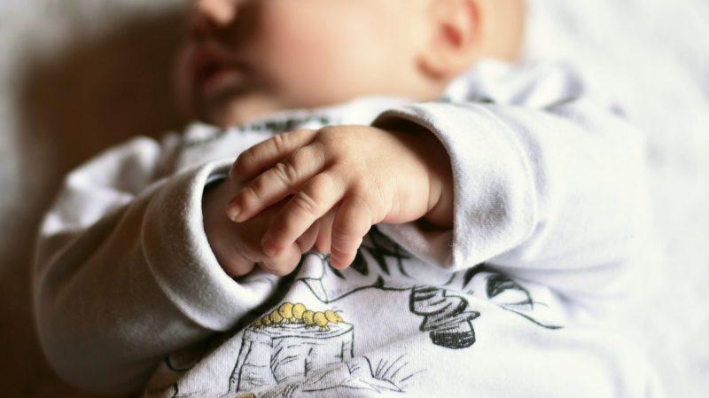 生後11ヶ月でセルフねんねできなくなる
